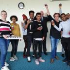 Studenten krijgen aanmoedigingsprijs van leerplicht